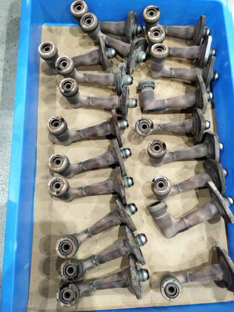 v2500 engine fuel nozzle 2A3448 available